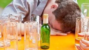 чем отличается алкоголизм от бытового пьянства