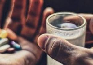 можно ли пить нимесил с алкоголем