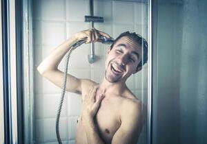 помогает ли душ от похмелья
