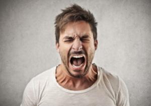 Что делать при появлении агрессии после употребления алкоголя?
